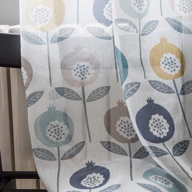ポップでカラフルな花模様レースカーテン