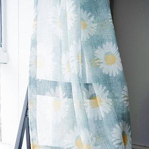 爽やかなひまわりの花柄のレースカーテン