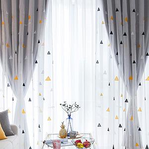 三角刺繍レースと遮光生地の組み合わせる一体型カーテン