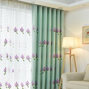 ラベンダーの花柄のドレープカーテン