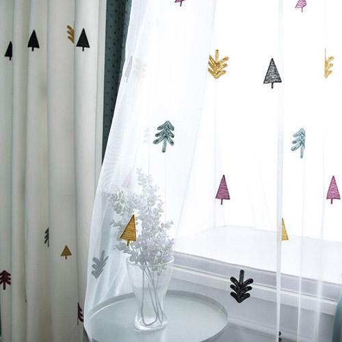 キュートでカラフルな木柄刺繍レースカーテン