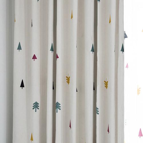 キュートでカラフルな木柄刺繍ドレープカーテン