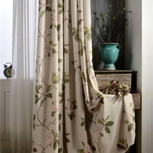 上品な花柄カーテン
