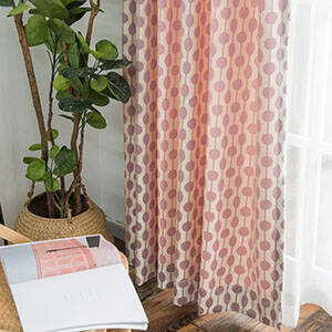 ドットをラインで繋げたデザインのカーテン
