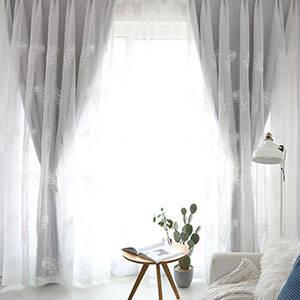 柔らかい雰囲気の一体型カーテンセット