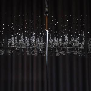 彫り出した町柄のドレープカーテン